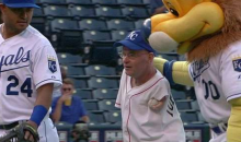 Armless Man Throws out First Pitch with Feet, Still Outperforms 50 Cent (GIF)