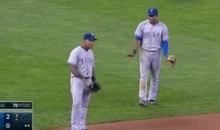 Elvis Andrus and Adrian Beltre Draw Actual Line in the Sand to Define Their Defensive Domains (GIF)