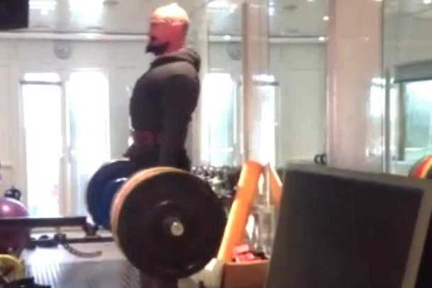 hugh jackman deadlifts 400 pounds