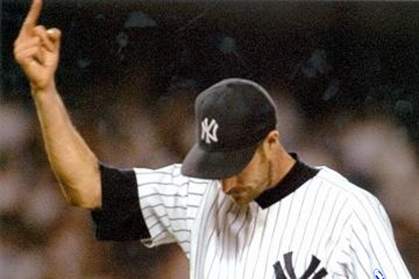 jack mcdowell finger to yankees fans - athletes flipping the bird
