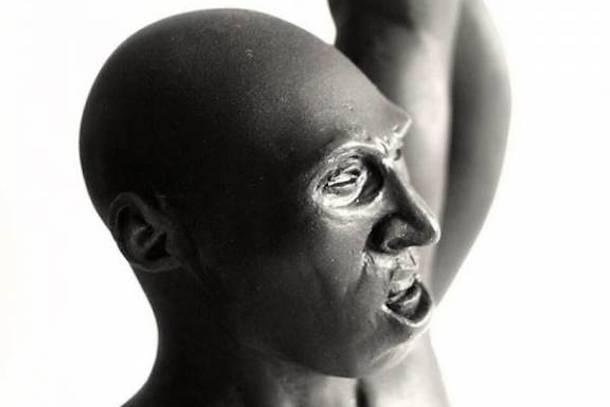 kobe statue