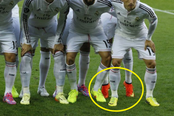 ronaldo-tip-toes-team-photo-uefa-super-cup-vs-sevilla-august-2014