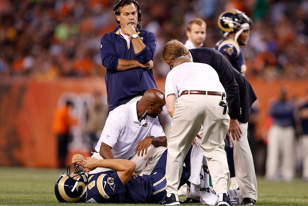 sam-bradford-injury-st.-louis-rams-nfl-players-out-for-season-2014