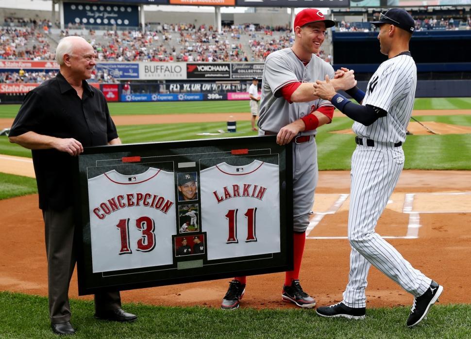 15 Derek Jeter retirement gifts - Cincinnati Reds signed framed jerseys (July 19)
