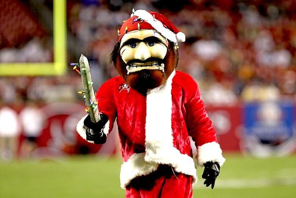 6 Captain Fear Tampa Bay Buccaneers mascot - creepy NFL mascots