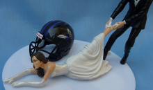 Anyone Want This Baltimore Ravens Wedding Cake Statue Modeled After the Ray Rice Assault? (Pic)