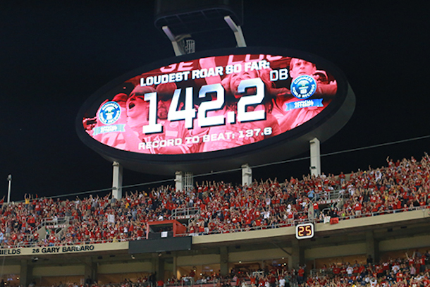 arrowhead stadium breaks guinness world record loudest outdoor stadium in the world
