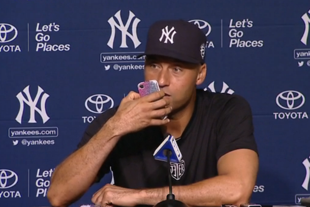 derek jeter answers phone during press conference