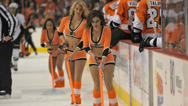 Flyers Ice Girls