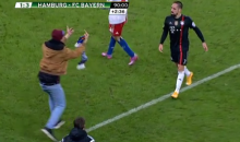 Hamburg Pitch Invader Attacks Franck Ribery with Scarf, Flips Him the Bird (Video)