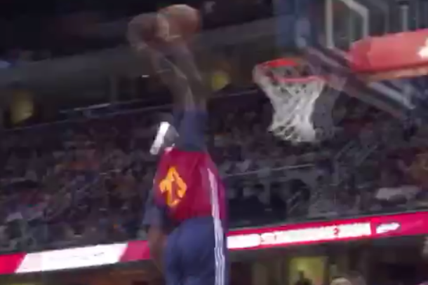 kyrie pass to lebron at first cavaliers scrimmage