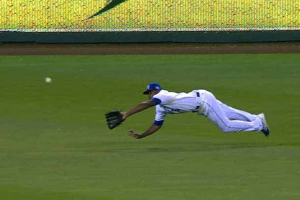 lorenzo cain back-to-back diving catches royals alds angels