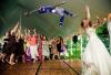 http://www.totalprosports.com/wp-content/uploads/2014/11/odell-beckham-photoshops-bouquet-wedding-520x345.png