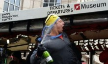 Gronk Grinds With Duck Bus During Patriots Victory Parade (Video)