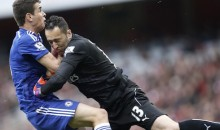Arsenal Keeper Lays Bone-Crushing Tackle on Chelsea's Oscar (Video)