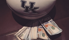 Drake Lost a Bet on the Kentucky-Wisconsin Game (Pics)
