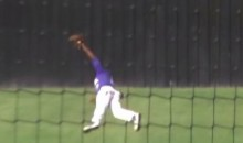 Arkansas HS Baseball Player Makes Superman Catch in OF (Video)