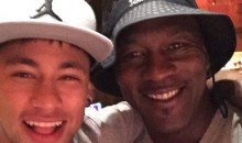 Neymar and Michael Jordan Take Selfie in Vegas (Pic)