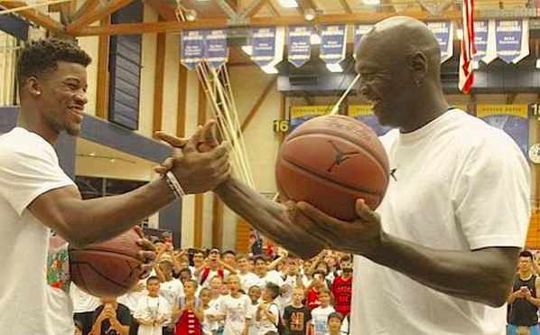 Michael Jordan Chumps Jimmy Butler In A Shooting Contest Total Pro Sports