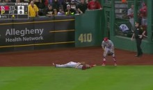 Cardinals' Stephen Piscotty Knocked Out, Stretchered Off After Violent Collision in Center Field (Video)