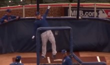 Anthony Rizzo Impersonates Jose Bautista Bat-Flip During BP (Video)