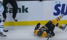 Bruins' Chris Kelly Suffers Fractured Femur (Video)