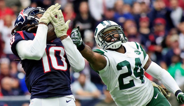 DeAndre Hopkins beats Darrelle Revis