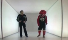 "Toronto Raptors Have a ""Hotline Bling"" Booth Set Up For ""Drake Night"" (Video)"