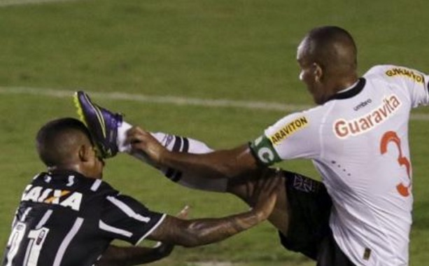 Soccer Player Throws Up an MMA-Style Kick to His Opponent's Face | Total Pro Sports