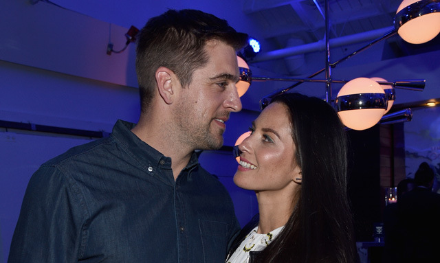 packers fans blaming olivia munn for aaron rodgers struggles