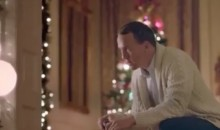 Peyton Manning's Christmas Lights Display His True Feelings About Being Backup QB (Video)