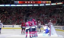 The Chicago Blackhawks Are So Good, Even When They Keep Screwing Up They Score (Video)