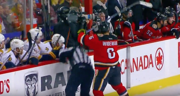 Dennis Wideman hits referee