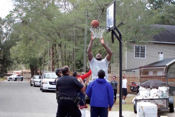 shaq surprises florida basketball cop 7