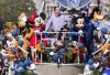 http://www.totalprosports.com/wp-content/uploads/2016/02/Peyton-Manning-Disneyland-1-284x400.jpg