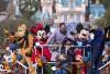 http://www.totalprosports.com/wp-content/uploads/2016/02/Peyton-Manning-Disneyland-8-520x346.jpg