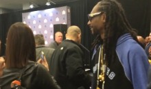 Snoop Dogg at SB 50: Asks Cam Newton to Dab and Peyton Manning for Papa John's Discount (Videos)