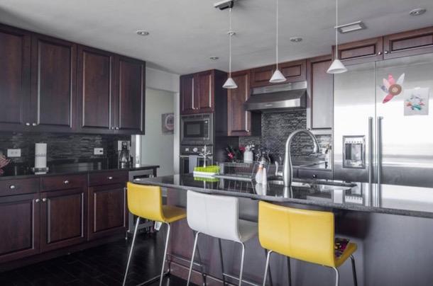 roman harper airbnb apartment panthers super bowl 50 3