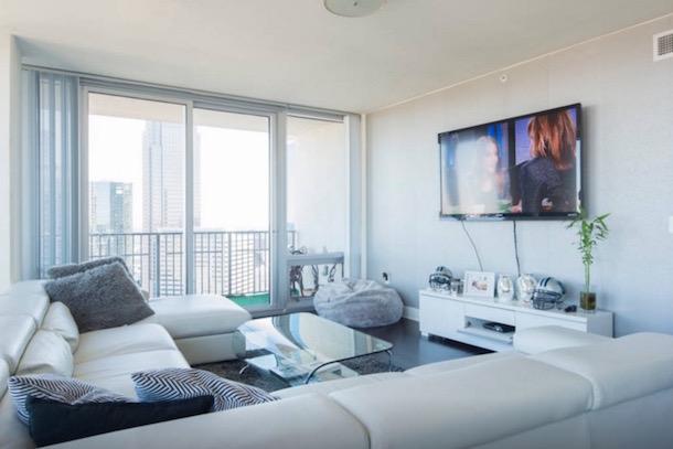 roman harper airbnb apartment panthers super bowl 50 4