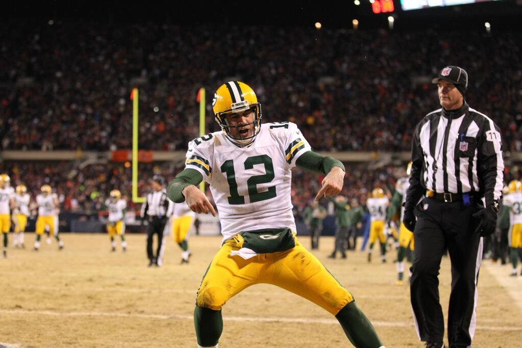 Aaron Rodgers To Fan Who Thinks Hes Ruining Football -2567