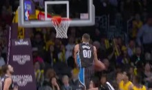 Aaron Gordon Keeps Slamming Like He's Still in the Dunk Contest