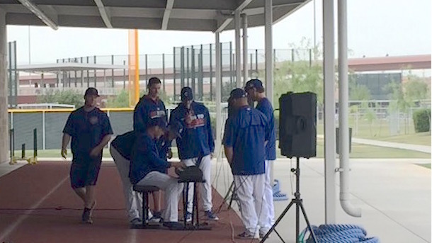 anthony rizzo plays adele's hello on piano