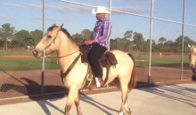 Yoenis Cespedes Also Took a Horse to Mets Spring Training (Video)