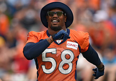 Broncos Lb Von Miller Trolls Chargers Fans With Fake