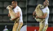 Hero Dog Interrupts Copa Libertadores Game Between Deportivo Táchira and UNAM to Give Players Doggy Kisses (Video)