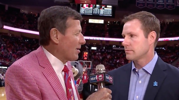 bulls coach fred hoiberg well wishes to craig sager