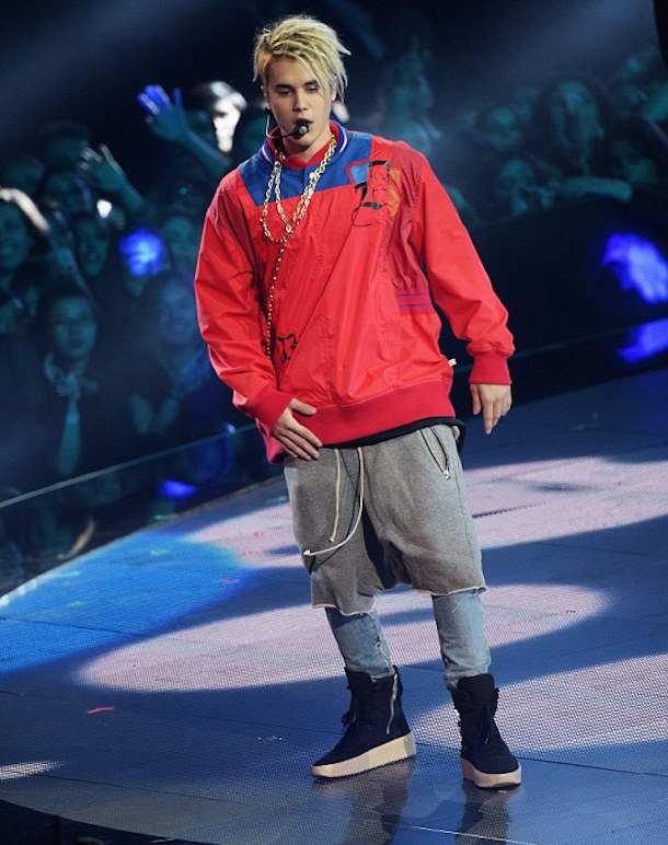 justin bieber iheartradio outfit