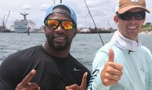 Packers Linebacker Sam Barrington Lands 400-Pound Bull Shark Off Florida Coast (Pic)
