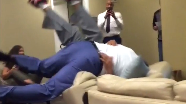 Shaq and Charles Barkley Wrestle