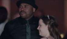 Ravens Receiver Steve Smith Attends the Prom of an Autistic Teen (Video)